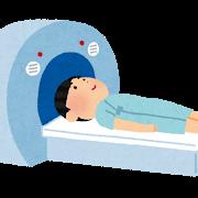MRI検査を受ける人